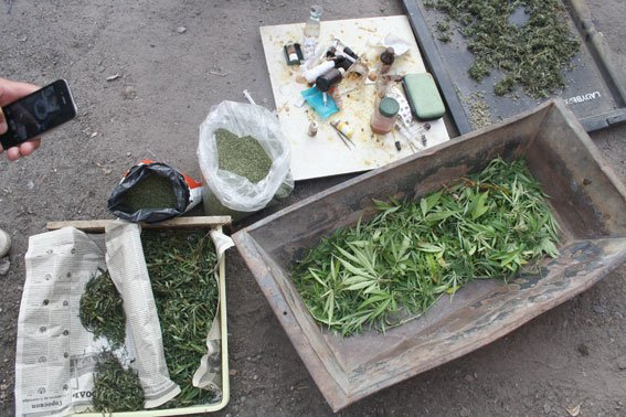 В Комсомольську затримали групу наркоторговців (фото) - фото 1