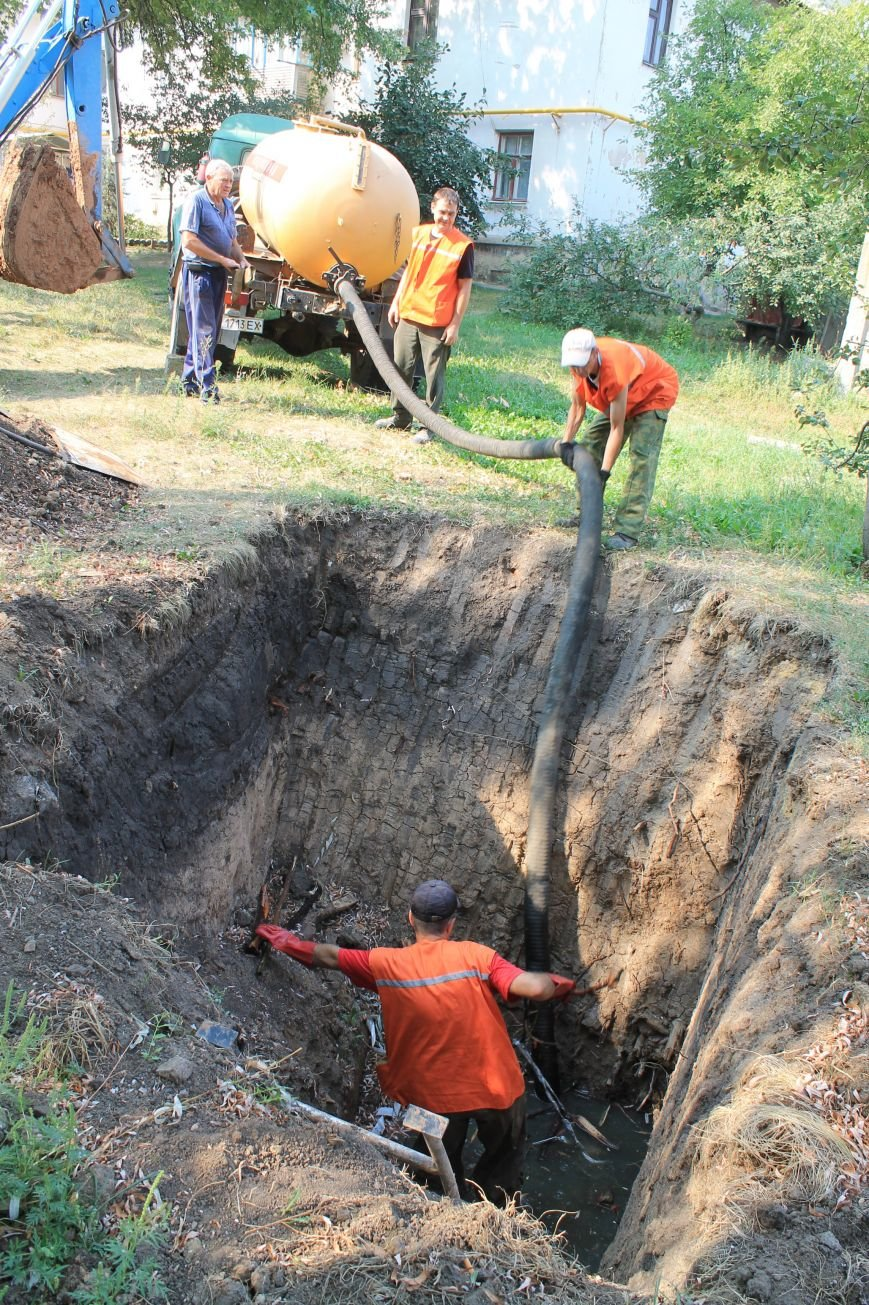 Бахмут-Вода проводит ремонтные работы в Соледаре. ФОТОФАКТ, фото-5