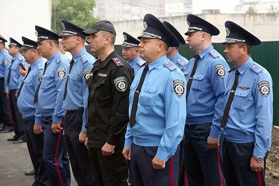 86 міліцейських родин Хмельниччини отримали власне житло в новобудові (Фото) (фото) - фото 1