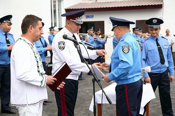 86 міліцейських родин Хмельниччини отримали власне житло в новобудові (Фото) (фото) - фото 2