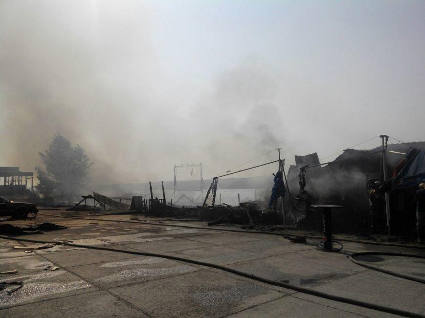 Запорожское кафе «Кефир» сгорело до тла, фото с места происшествия (фото) - фото 4