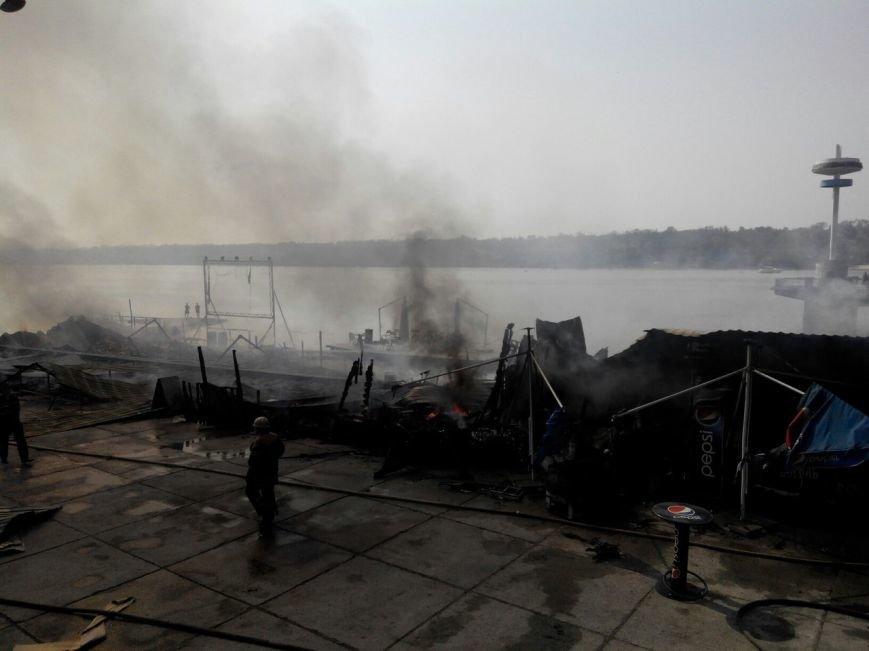 Запорожское кафе «Кефир» сгорело до тла, фото с места происшествия (фото) - фото 2