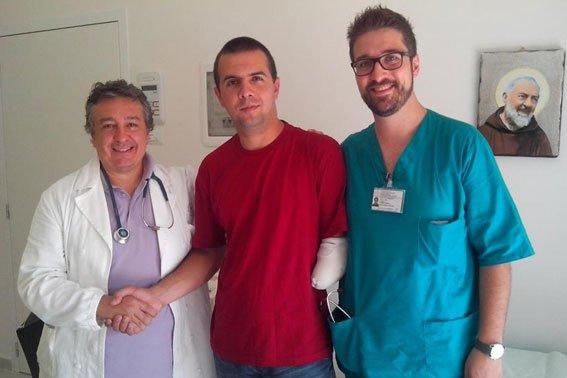 Глобинський дільничний, який втратив руку в АТО, повернувся в Україну після протезування (фото) - фото 2