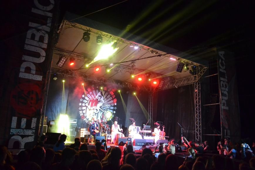 «ДахаБраха» зіграли свій «Карпатський реп» на головній сцені «Республіки», фото-1