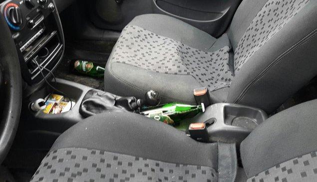 У Тернополі в автомобілі водія таксі знайшли напівпорожні пляшки з пивом – подробиці кривавої ДТП (фото) - фото 1