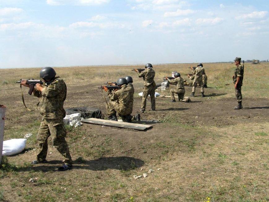 На полигоне под Николаевом проходят военные учения (ФОТО) (фото) - фото 1