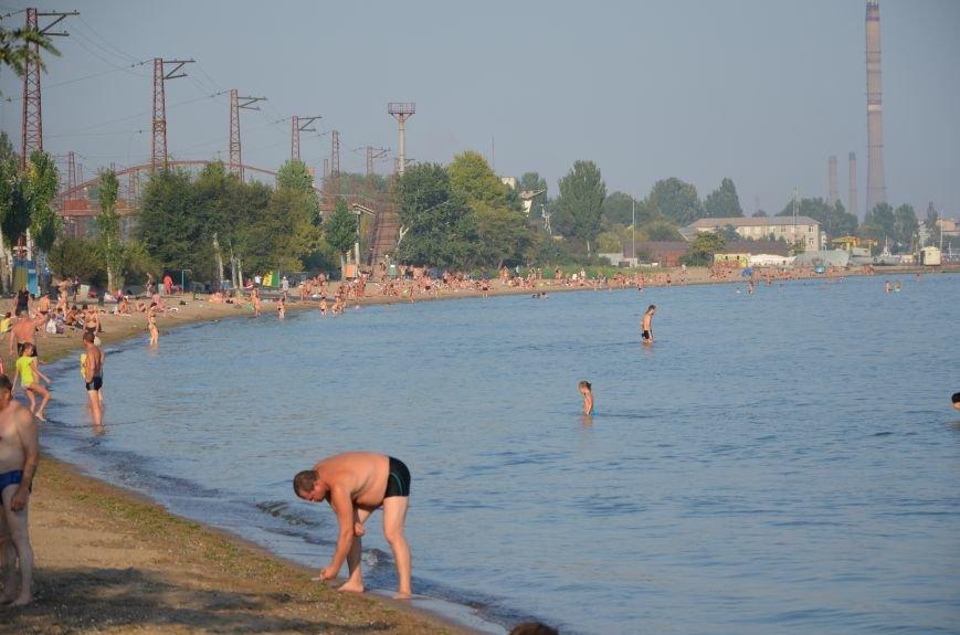 Мариупольцы наслаждаются последними теплыми деньками (ФОТО), фото-4