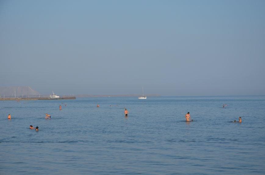 Мариупольцы наслаждаются последними теплыми деньками (ФОТО), фото-2