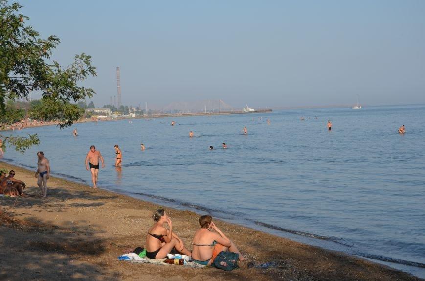 Мариупольцы наслаждаются последними теплыми деньками (ФОТО), фото-3