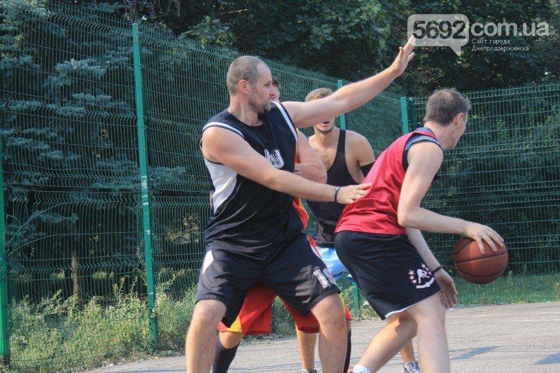 В Днепродзержинске прошел турнир по стритболу (фото) - фото 5