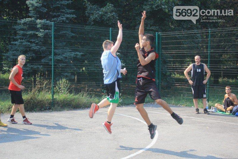 В Днепродзержинске прошел турнир по стритболу (фото) - фото 6