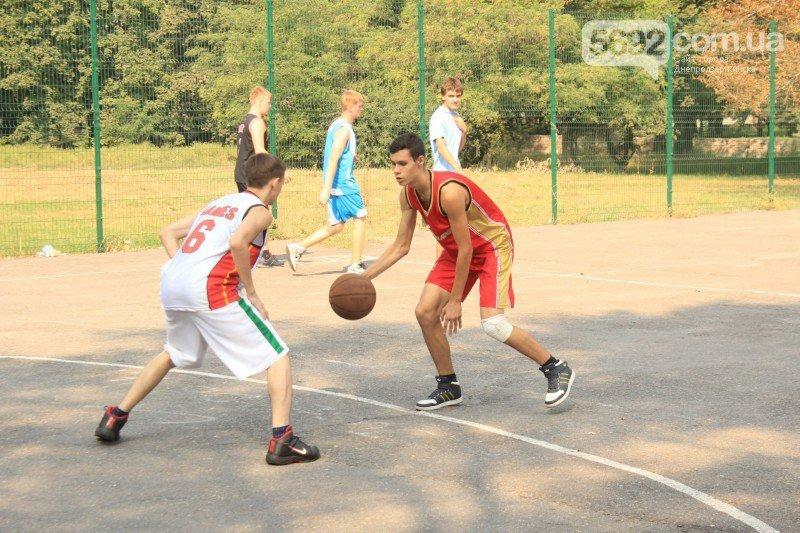В Днепродзержинске прошел турнир по стритболу (фото) - фото 3
