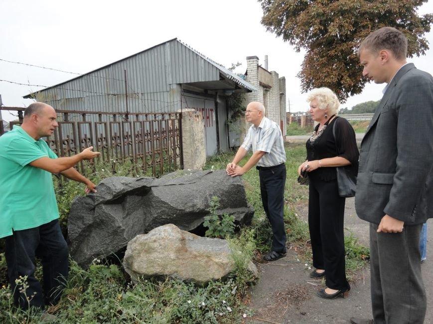 На місці плебанії, де народився майбутній президент ЗУНР Євген Петрушевич, встановлять гранітний камінь з написом (фото) - фото 1