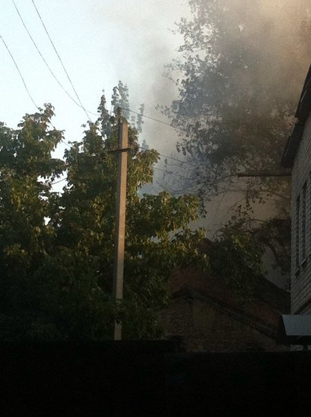 Сегодня горела швейная фабрика «Веселка» в Красноармейске (фото) - фото 3