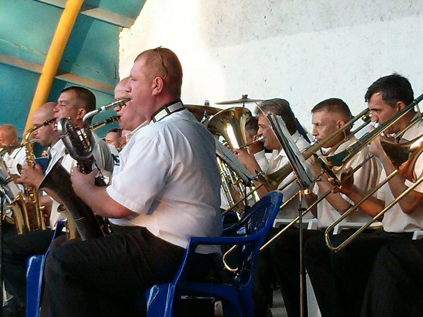 Мариупольцам подарили шедевры мировой музыки (ФОТО) (фото) - фото 1