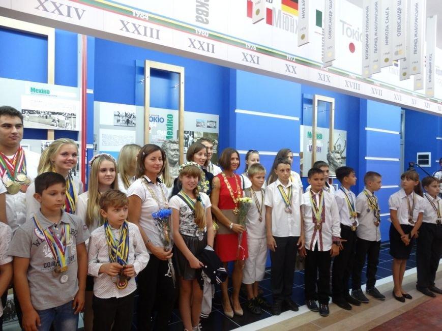 В Сумах открыли пришкольный музей олимпийской славы (ФОТО), фото-2