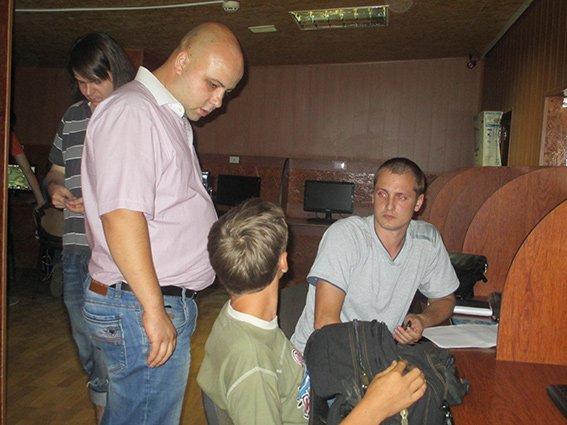 Николаевская милиция заставила детей спать ночью (ФОТО) (фото) - фото 4