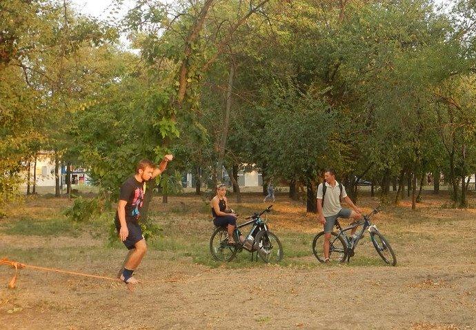 Мариупольцы учатья держать равновесие (ФОТО) (фото) - фото 1