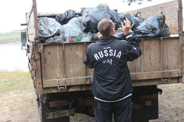 Волонтеры убрались на берегу Вычегды (фото) - фото 1
