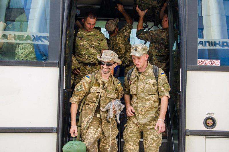 На Днепропетровщине встретили демобилизованных бойцов 43-го батальона (фото) - фото 4