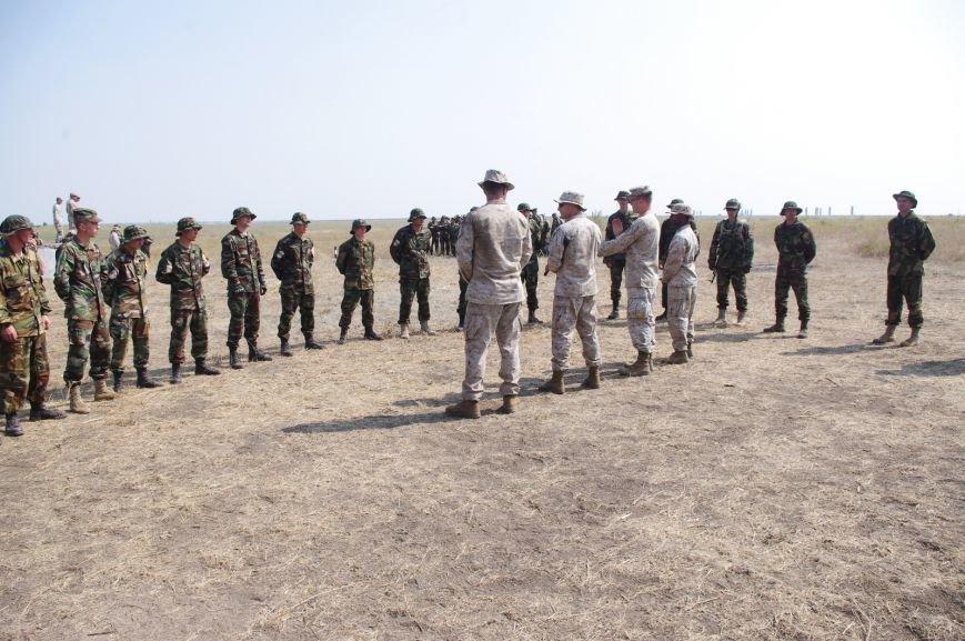 На полигоне под Николаевом бойцы отбивали атаки «террористов» (ФОТОРЕПОРТАЖ) (фото) - фото 7