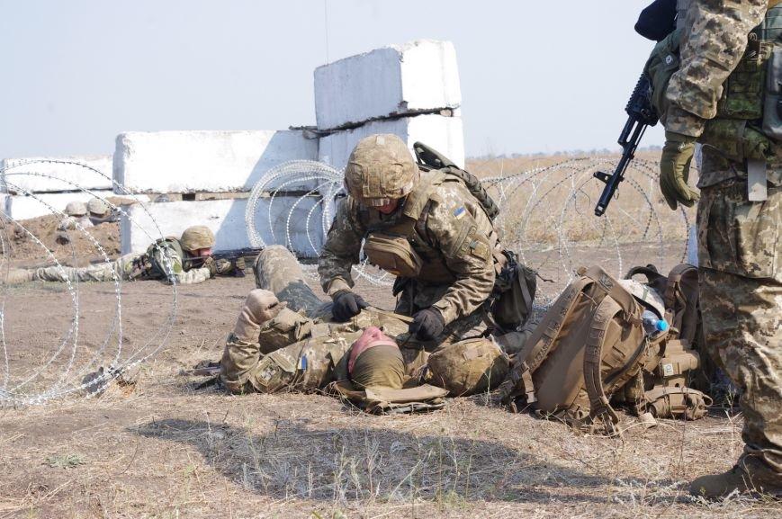 На полигоне под Николаевом бойцы отбивали атаки «террористов» (ФОТОРЕПОРТАЖ) (фото) - фото 5