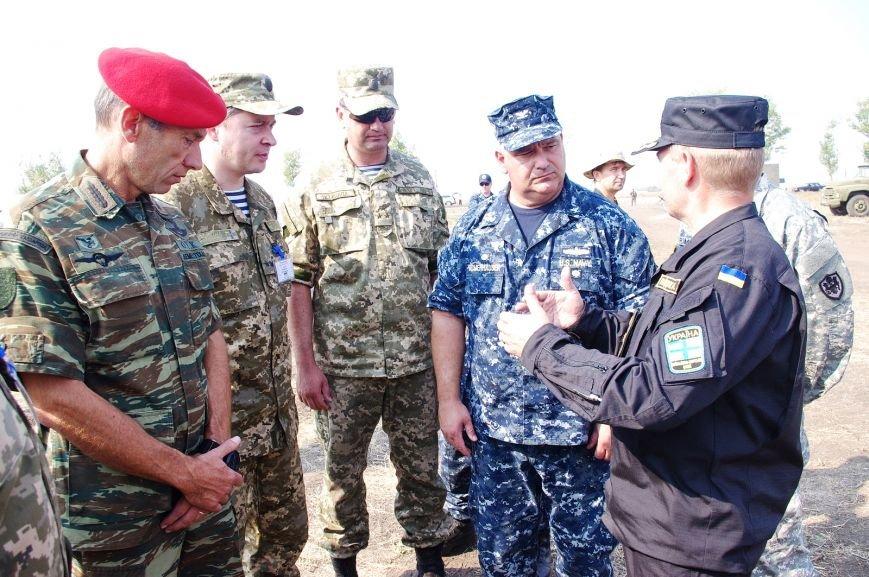 На полигоне под Николаевом бойцы отбивали атаки «террористов» (ФОТОРЕПОРТАЖ) (фото) - фото 6