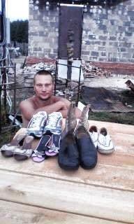 У бойца АТО на Сумщине сгорел дом. Живет с детьми в палатке  (ФОТО), фото-1
