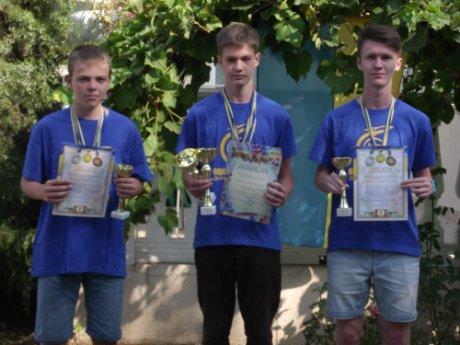 Команда автомобилистов Днепропетровщины, в которую вошли и павлоградцы, стала лучшей в Украине, фото-1