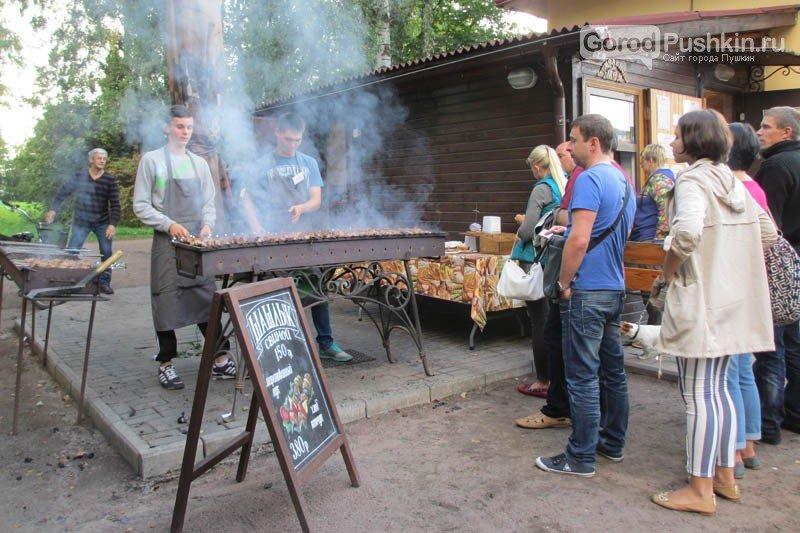 Павловская белка стала символом прошедшего фестиваля в Павловском парке, фото-7