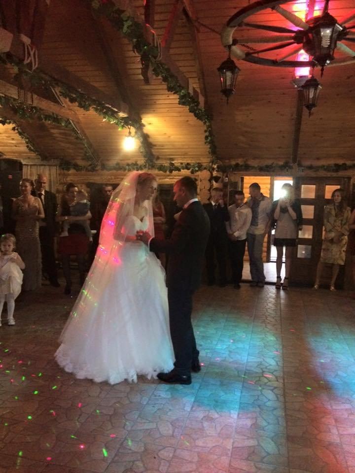 Боєць АТО, як і обіцяв, повернувся і відіграв весілля на Буковині, фото-3