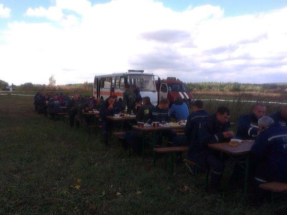 126 рятувальників гасять торф у Хмельницькому районі (Фото) (фото) - фото 3