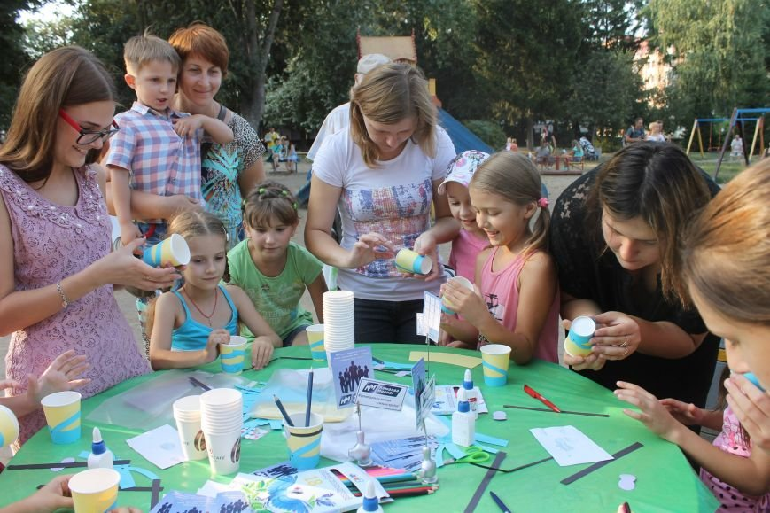 В Полтавському Сонячному парку діти виготовляли маленьких міньйончиків (фото) - фото 4