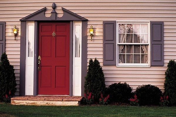 Надежные входные двери в дом или квартиру