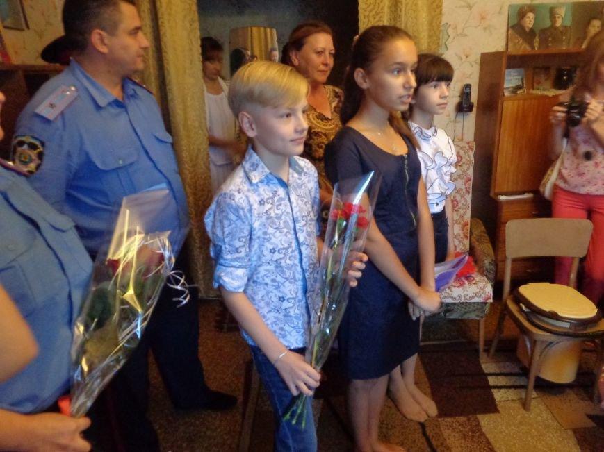 В честь Дня освобождения Донбасса в Красноармейске поздравили ветерана и героя войны Михаила Глобенко (фото) - фото 1