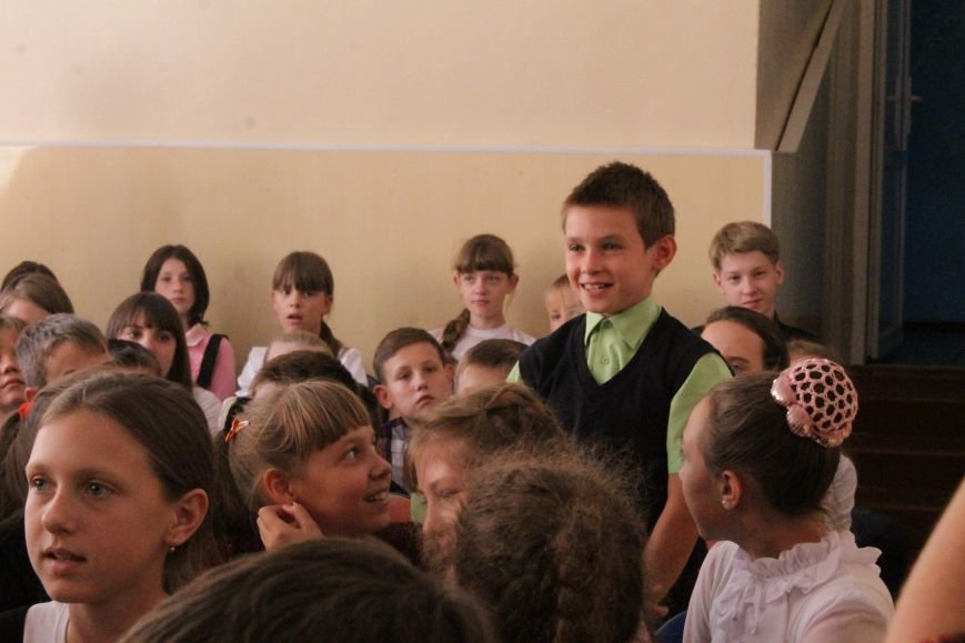 В добропольской школе-лицее бойцы 95-й бригады поздравили школьников (ФОТО), фото-9