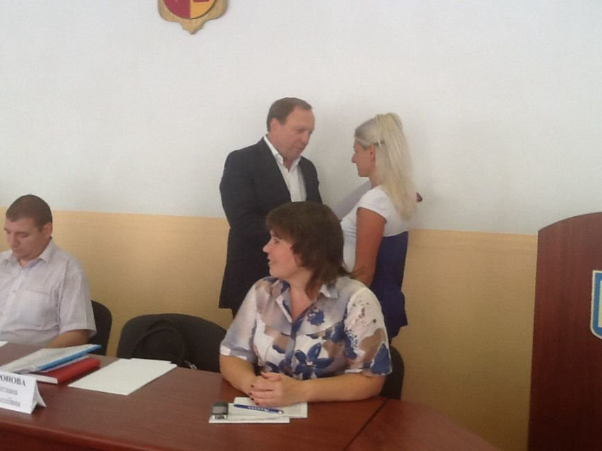 В Днепродзержинском горсовете наградили предпринимателей (фото) - фото 1