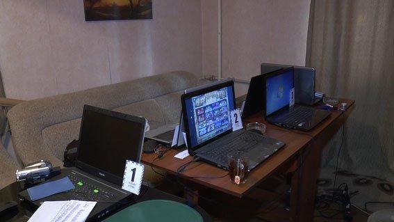 Сумские правоохранители выявили нелегальные игровые заведения (ФОТО+ВИДЕО) (фото) - фото 1