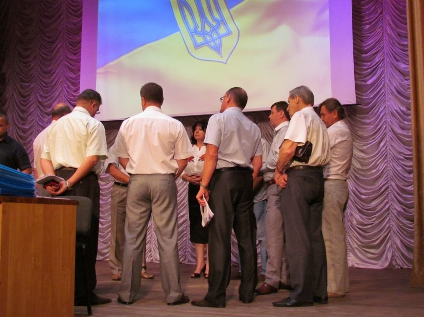 Депутаты Мариупольского горсовета два часа делили «фантастическую» сумму (ФОТО+ВИДЕО), фото-1