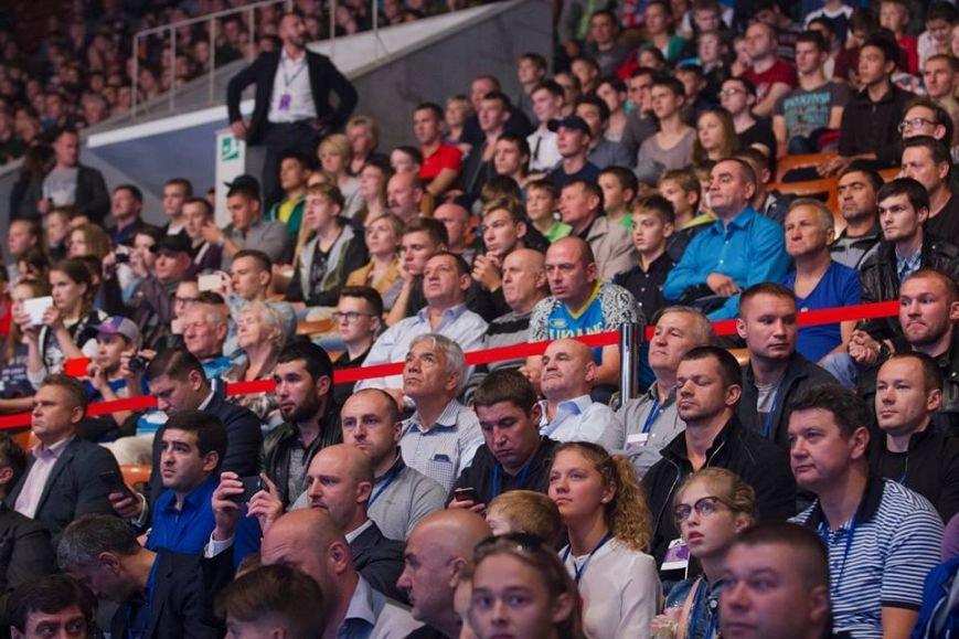 Хмельничанин Аркадій Карцан в 1/4 фіналу чемпіонату Світу з боксу серед юніорів (Відео), фото-1