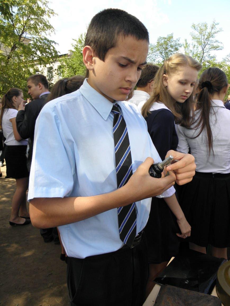 В краматорской школе спасатели показали детям мины и гранаты (фото) - фото 9