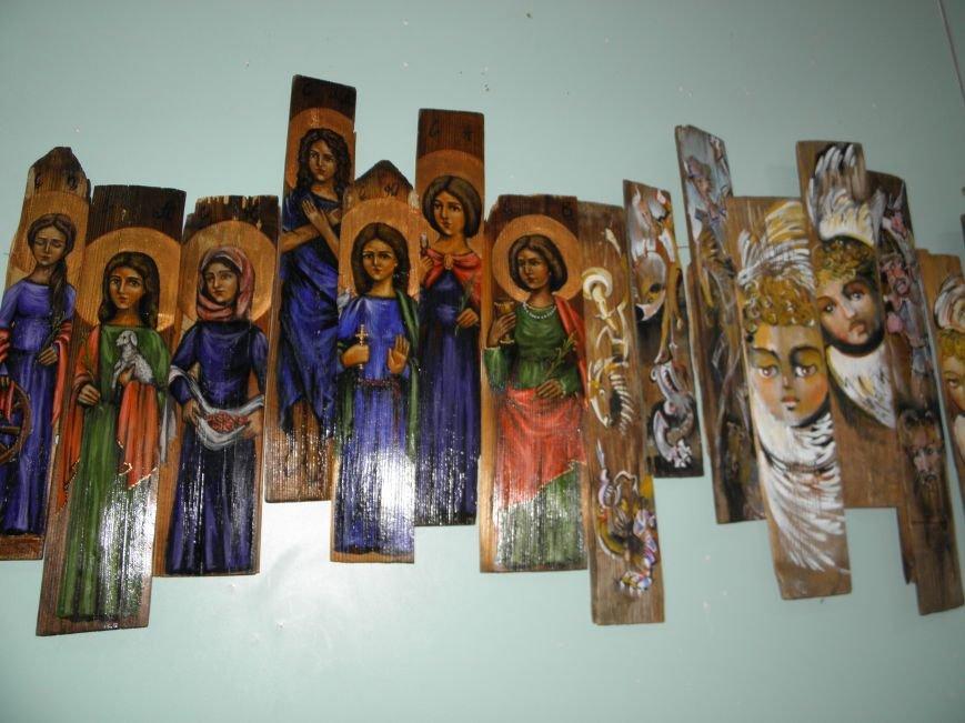 В Краматорск привезли «Стену» из ликов святых (фото) - фото 1