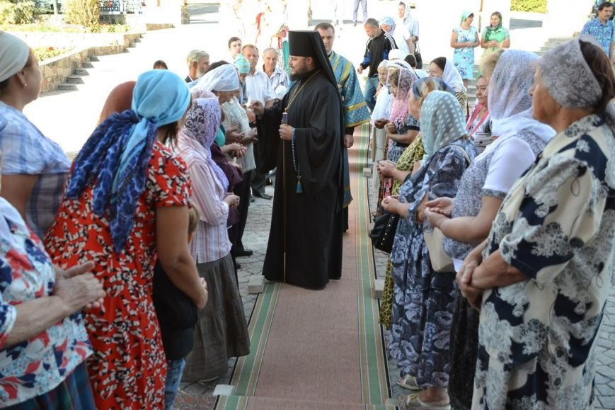 Три христианских праздника отметили прихожане Нововасильевского храма (фото) - фото 2
