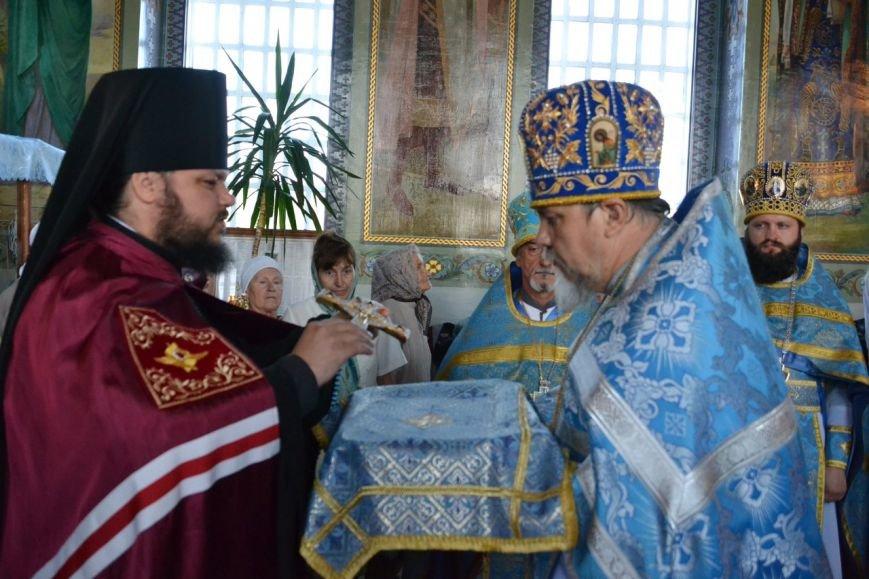 Три христианских праздника отметили прихожане Нововасильевского храма (фото) - фото 3