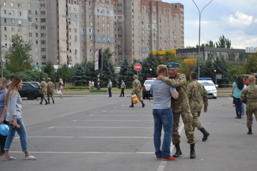 Более 100 демобилизованных бойцов 17 бригады прибыли в Кривой Рог и привезли с собой «донецких» (ФОТО), фото-21