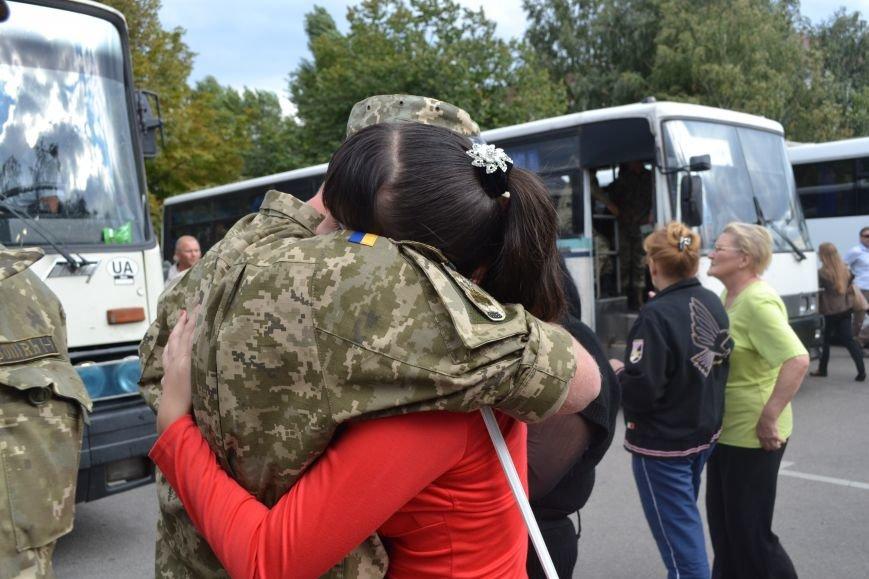 Более 100 демобилизованных бойцов 17 бригады прибыли в Кривой Рог и привезли с собой «донецких» (ФОТО), фото-3