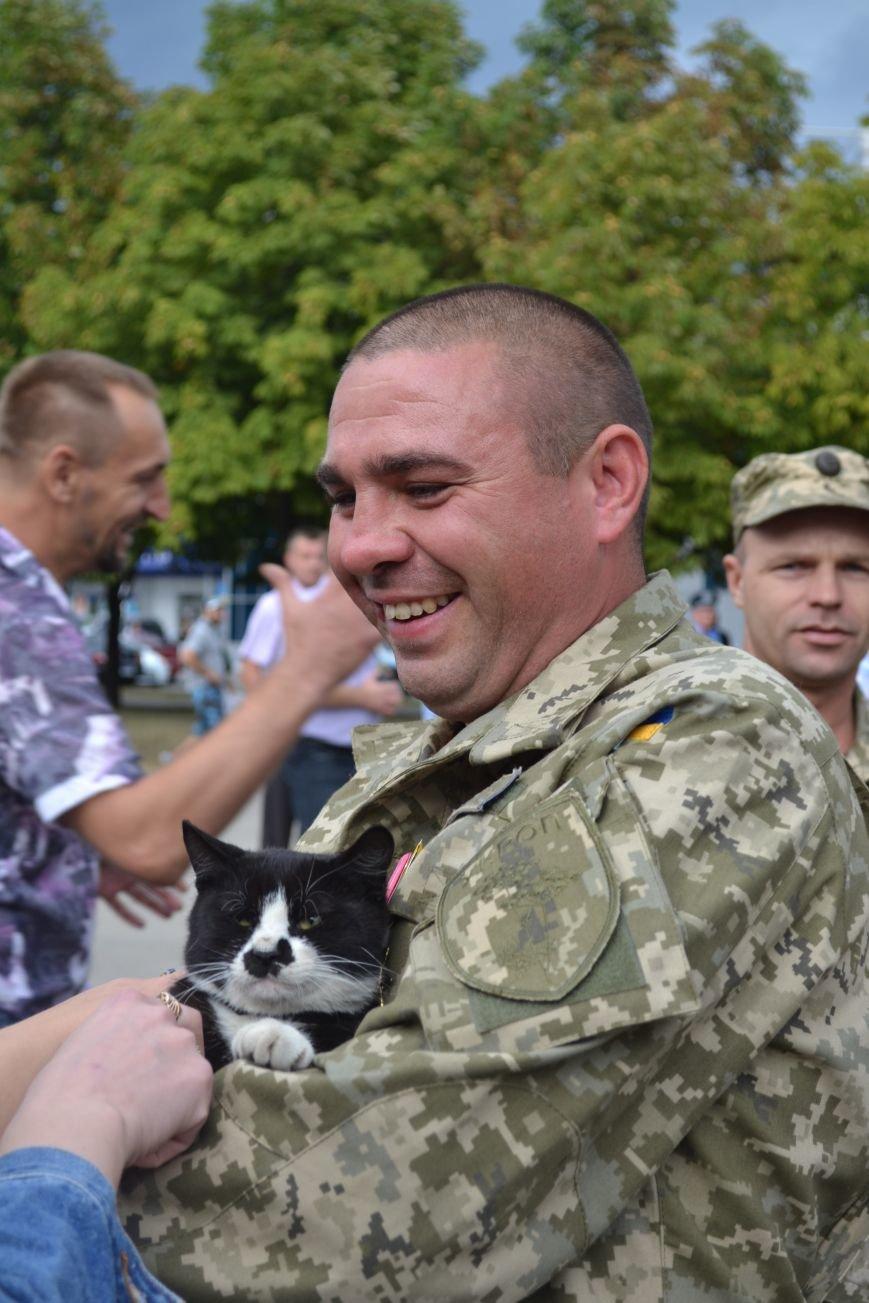 Более 100 демобилизованных бойцов 17 бригады прибыли в Кривой Рог и привезли с собой «донецких» (ФОТО), фото-5