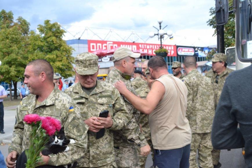 Более 100 демобилизованных бойцов 17 бригады прибыли в Кривой Рог и привезли с собой «донецких» (ФОТО), фото-4