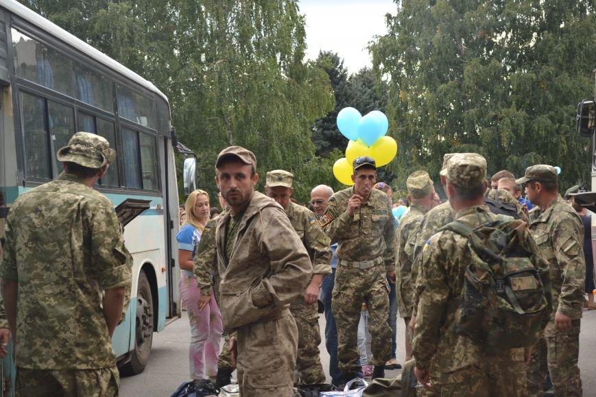 Более 100 демобилизованных бойцов 17 бригады прибыли в Кривой Рог и привезли с собой «донецких» (ФОТО), фото-13