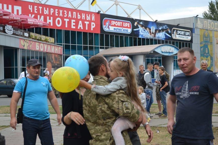 Более 100 демобилизованных бойцов 17 бригады прибыли в Кривой Рог и привезли с собой «донецких» (ФОТО), фото-24